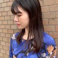 黒髪 フェミニン ミディアムレイヤー 前髪 ヘアスタイルや髪型の写真・画像