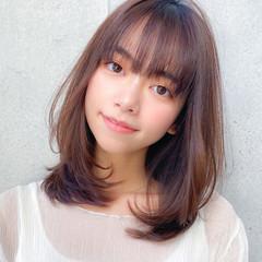 ミディアム ミディアムレイヤー コンサバ レイヤーカット ヘアスタイルや髪型の写真・画像