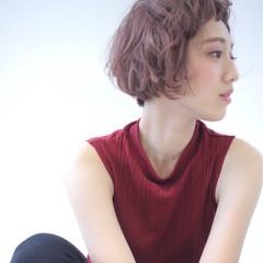 ショートボブ ピンク ピンクアッシュ ベージュ ヘアスタイルや髪型の写真・画像