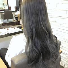 シルバーアッシュ グレージュ 渋谷系 暗髪 ヘアスタイルや髪型の写真・画像