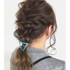 オフィス セミロング 簡単ヘアアレンジ ナチュラル ヘアスタイルや髪型の写真・画像