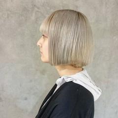 ハイトーン モード ボブ シルバーアッシュ ヘアスタイルや髪型の写真・画像
