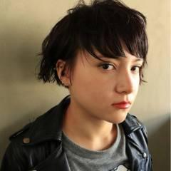 黒髪 ショート モード ストリート ヘアスタイルや髪型の写真・画像