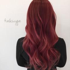 ゆるふわ マルサラ ピンク ロング ヘアスタイルや髪型の写真・画像