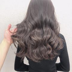 アッシュグレージュ イルミナカラー グレージュ ロング ヘアスタイルや髪型の写真・画像