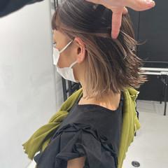 ボブ 切りっぱなしボブ モード ベージュ ヘアスタイルや髪型の写真・画像