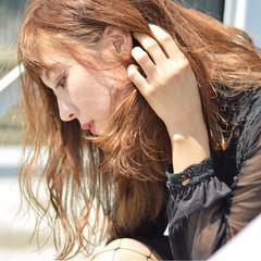 上品 波ウェーブ エレガント ミディアム ヘアスタイルや髪型の写真・画像