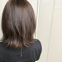 オフィス ミディアム アウトドア デート ヘアスタイルや髪型の写真・画像