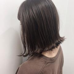 暗髪 ナチュラル 切りっぱなしボブ 切りっぱなし ヘアスタイルや髪型の写真・画像