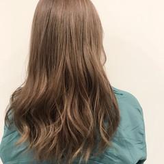 シナモンベージュ セミロング ウェーブ フェミニン ヘアスタイルや髪型の写真・画像