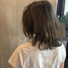 デート オフィス スポーツ ミディアム ヘアスタイルや髪型の写真・画像