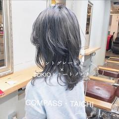 アッシュグレージュ ストリート パープルアッシュ グレーアッシュ ヘアスタイルや髪型の写真・画像