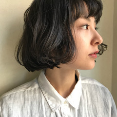 大人女子 黒髪 切りっぱなし ナチュラル ヘアスタイルや髪型の写真・画像