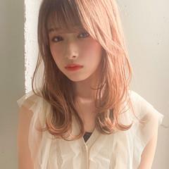 レイヤーカット セミロング アンニュイほつれヘア 前髪あり ヘアスタイルや髪型の写真・画像