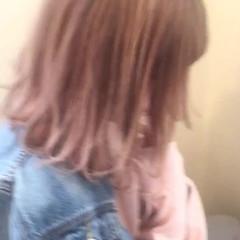 アッシュ ガーリー 色気 ミルクティー ヘアスタイルや髪型の写真・画像
