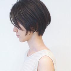 ブルージュ アッシュグレージュ ショート フェミニン ヘアスタイルや髪型の写真・画像