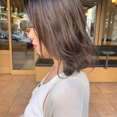 グレージュ ボブ ミルクグレージュ ミルクティーグレージュ ヘアスタイルや髪型の写真・画像