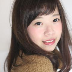 ガーリー グラデーションカラー 前髪あり セミロング ヘアスタイルや髪型の写真・画像