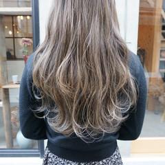 透明感カラー グレージュ アンニュイほつれヘア ヘアアレンジ ヘアスタイルや髪型の写真・画像