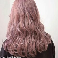 レッド ミディアム ボブ ベリーピンク ヘアスタイルや髪型の写真・画像