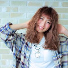 ゆるふわ 暗髪 外国人風 フェミニン ヘアスタイルや髪型の写真・画像