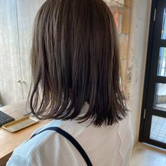 ミニボブ ベージュ ミディアム ナチュラル ヘアスタイルや髪型の写真・画像