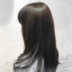 セミロング ダークグレー ナチュラル グレージュ ヘアスタイルや髪型の写真・画像