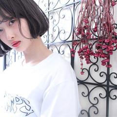 グレージュ 外国人風 ニュアンス ウェーブ ヘアスタイルや髪型の写真・画像