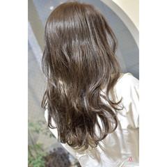 ミルクティーグレージュ ミルクグレージュ アッシュグレージュ ナチュラル ヘアスタイルや髪型の写真・画像