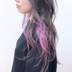 ピンク 透明感 インナーカラー ロング ヘアスタイルや髪型の写真・画像