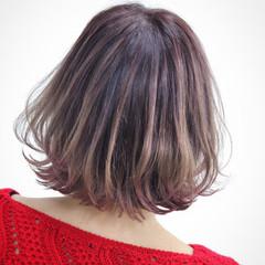 エアリー ベリーピンク グラデーションカラー ストリート ヘアスタイルや髪型の写真・画像