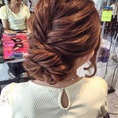 ヘアアレンジ ミディアム フィッシュボーン ヘアスタイルや髪型の写真・画像
