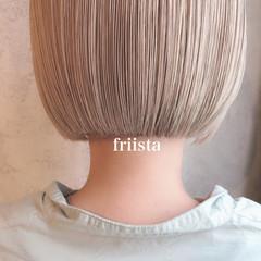 ショートヘア 切りっぱなしボブ ナチュラル ハイトーンボブ ヘアスタイルや髪型の写真・画像