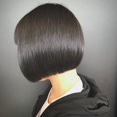 オフィス 前下がり 大人女子 ボブ ヘアスタイルや髪型の写真・画像