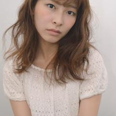 アッシュ 外国人風 ハイライト フェミニン ヘアスタイルや髪型の写真・画像