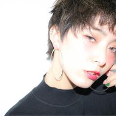 オン眉 暗髪 色気 モード ヘアスタイルや髪型の写真・画像