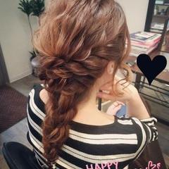 編み込み セミロング ヘアアレンジ フェミニン ヘアスタイルや髪型の写真・画像