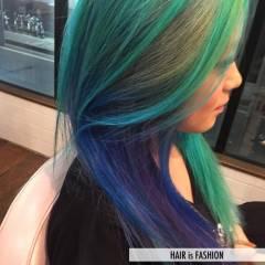 ハイトーン ガーリー 個性的 ヘアスタイルや髪型の写真・画像