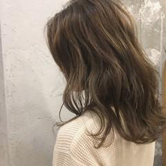ミディアム デート 冬 ナチュラル ヘアスタイルや髪型の写真・画像