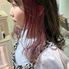 インナーカラー イヤリングカラー ロング 裾カラー ヘアスタイルや髪型の写真・画像