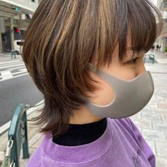 インナーカラー ショート ウルフカット ブリーチ ヘアスタイルや髪型の写真・画像