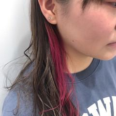 ポイントカラー かわいい おしゃれ セミロング ヘアスタイルや髪型の写真・画像