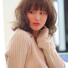 大人かわいい パーマ フェミニン フリンジバング ヘアスタイルや髪型の写真・画像