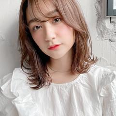小顔 レイヤーカット ロブ 外ハネ ヘアスタイルや髪型の写真・画像