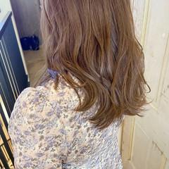 ロング ミルクティーグレージュ ミルクティーアッシュ ナチュラル ヘアスタイルや髪型の写真・画像