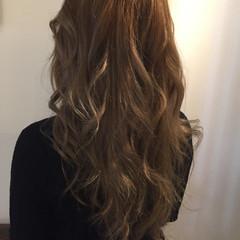 グレージュ アッシュ ミルクティーベージュ アッシュベージュ ヘアスタイルや髪型の写真・画像