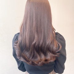 セミロング 透明感カラー インナーカラー ミルクティーベージュ ヘアスタイルや髪型の写真・画像