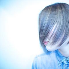 モード アッシュ ハイライト ベース型 ヘアスタイルや髪型の写真・画像