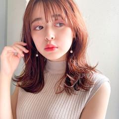 インナーカラー ガーリー ミディアムレイヤー レイヤースタイル ヘアスタイルや髪型の写真・画像