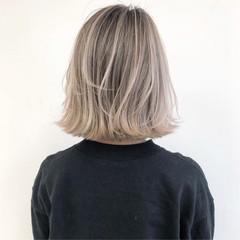 バレイヤージュ ボブ ショートヘア ストリート ヘアスタイルや髪型の写真・画像